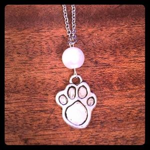 Jewelry - ❤️🏈🐾Pearl Beaded Paw Necklace🐾🏈❤️